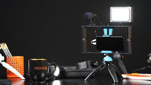 desk_with_rig_setup.jpg
